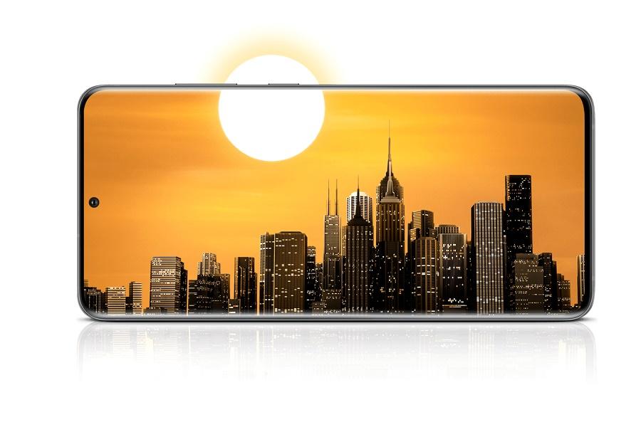 Samsung Galaxy S20 FE kellemes 4500 mAh akkumulátorral